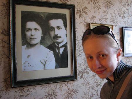 Na casa do Einstein - foto dele com a 1ª esposa, Mileva
