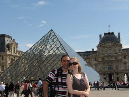 Nós no Louvre... de novo!! :-)