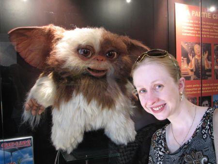 Eu e Gizmo (o original!), no Museu Internacional de Miniaturas, que está com a mostra de cinema