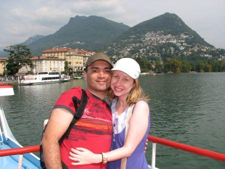 Nós no barco em que fizemos o passeio pelo Lago Lugano