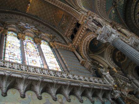 Detalhes do interior da maravilhosa basílica