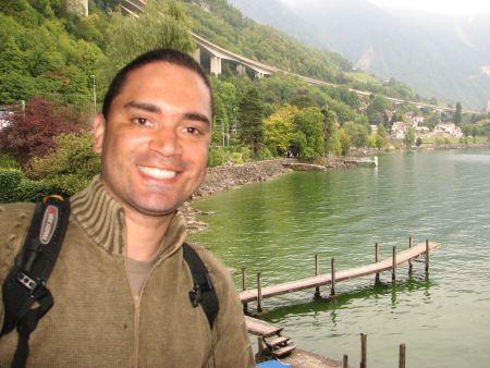 Má dentro do castelo de Chillon e a bela vista de Montreux