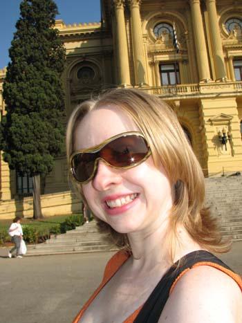 Eu na frente do Museu do Ipiranga